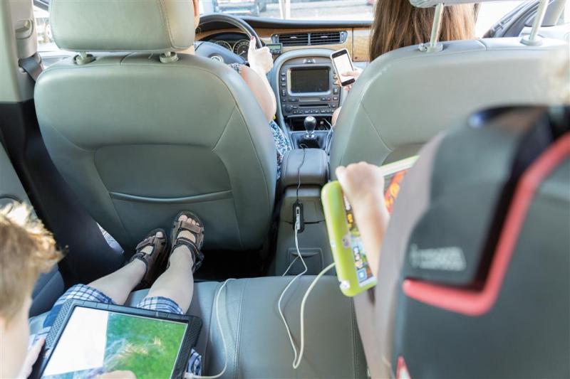 Car Charger für Beifahrer auf der Rücksitzbank